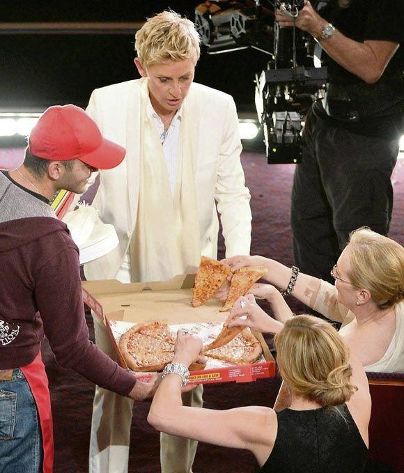 Звезды заказали пиццу прямо на церемонию вручения наград Киноакадемии