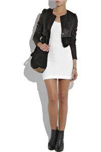 Короткое платье в сочетании с кожаной курткой