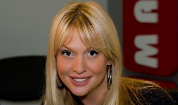 Виктория Лопырева попала в рейтинг самых стильных женщин журнала Ahlan!