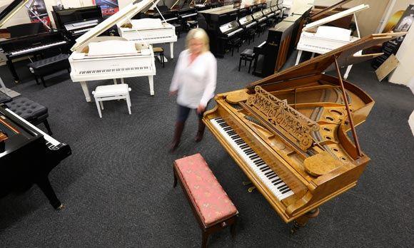 В Ливерпуле выставят на продажу рояль Пола Маккартни