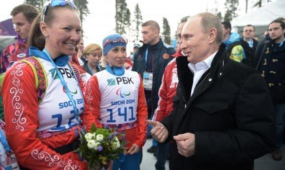 Российские биатлонистки завоевали «золото» и «серебро» на дистанции 10 километров