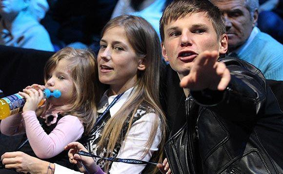 Юлия Аршавина пока не знает, простит ли бросившего ее мужа