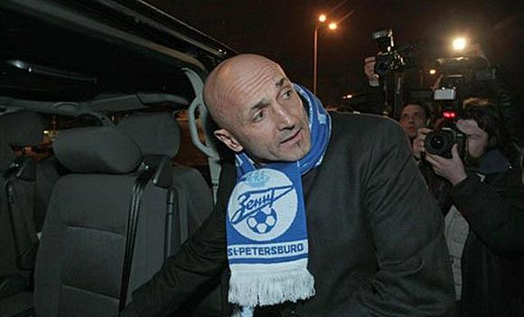 Бывший тренер «Зенита» не хочет уезжать из Питера