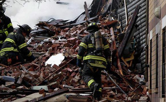 Взрыв в Нью-Йорке, работа спасателей
