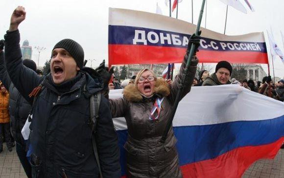 В Донецке массовые митинги закончились столкновениями