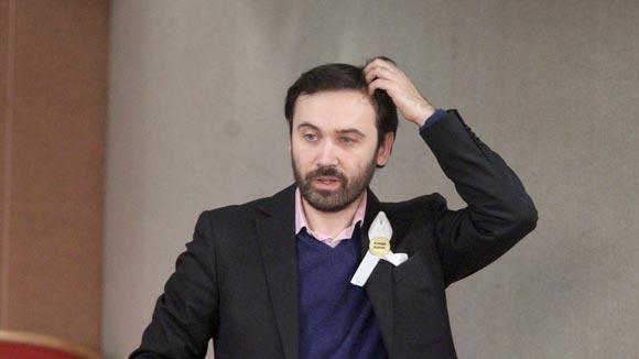Илья Пономарев открестился от законопроекта о наказании за русофобию