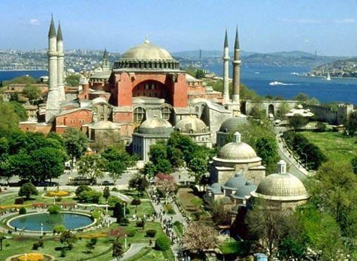 Турецкие городки у моря очень красивы