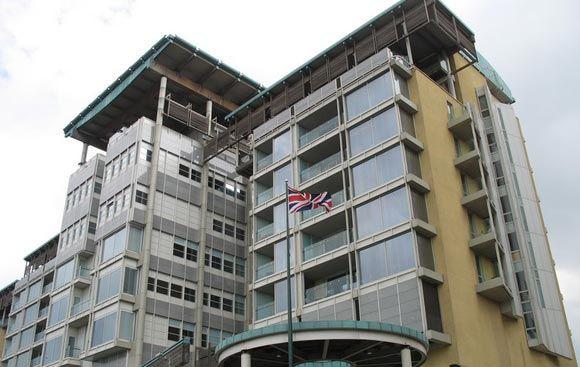 Британское посольство в Москве опровергло сообщения о том, что визовые центры Великобритании закрываются