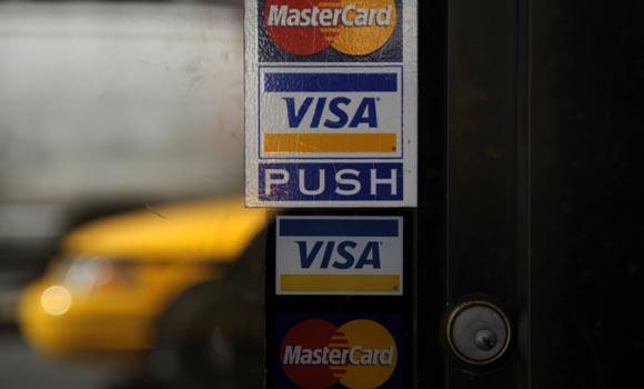 Госдума хочет заставить системы Visa и MasterCard выплатить компенсацию