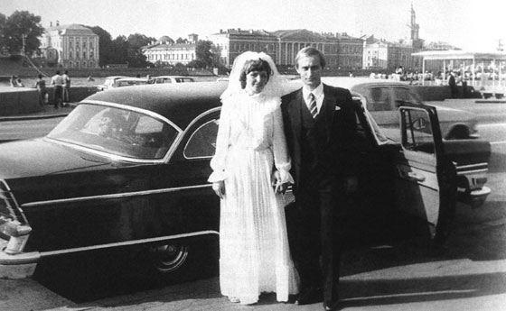 Владимир Путин и его жена Людмила