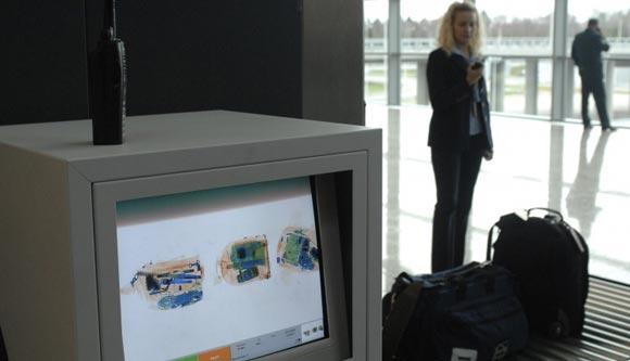 Российские аэропорты разрешили провоз на борту самолетов жидкостей