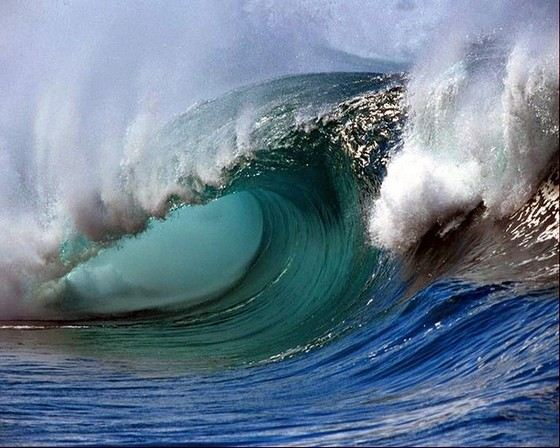 Скорость волн может достигать 100 км/ч