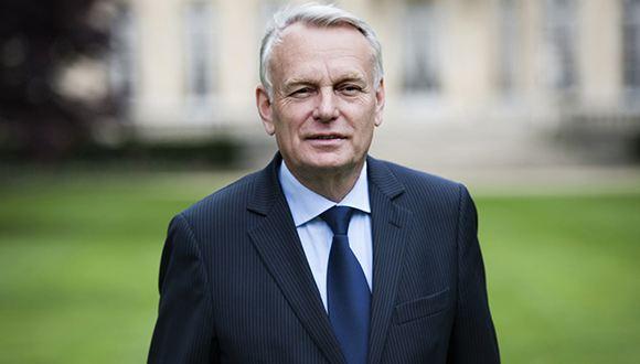 Премьер-министр Франции ушел в отставку после муниципальных выборов