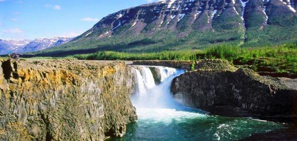 Тальниковский водопад - самый большой и красивый в России