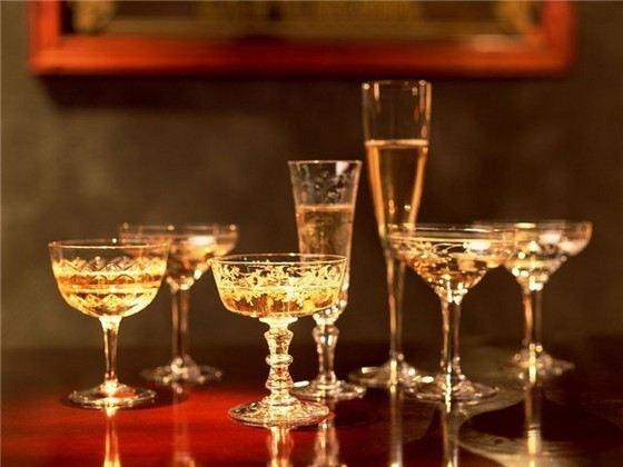 Хорошее шампанское - дорогое удовольствие