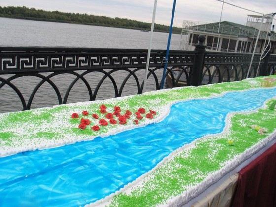 Торт в честь 452-летия Астрахани - самый длинный