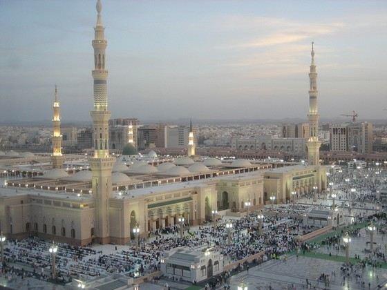 Мечеть Пророка в Медине - самая старая в мире