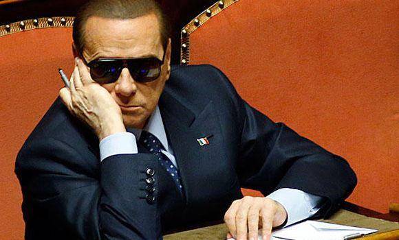 Берлускони был госпитализирован с воспалением колена