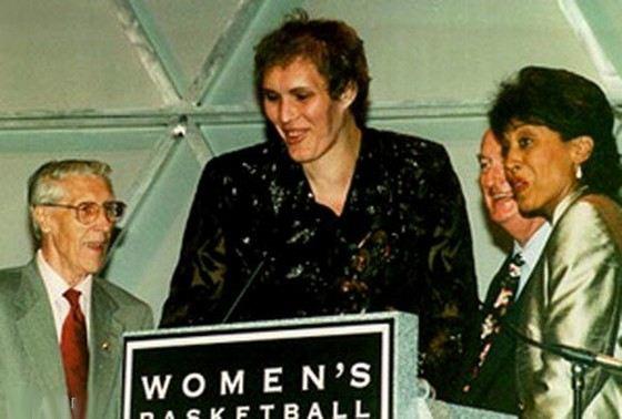 Ульяна Семенова - самая высокая женщина-баскектболист