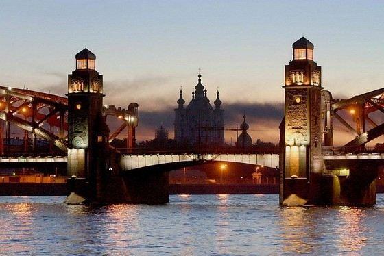Санкт-Петербург - прекрасный российский город