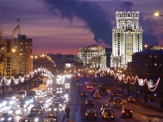 «Нерезиновая» Москва - самый большой город в России