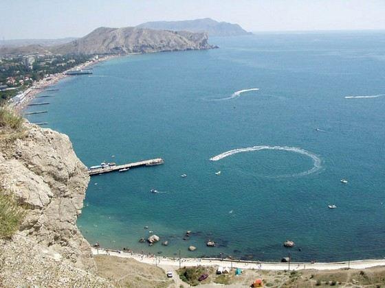 Черное море не самое большое, зато очень теплое