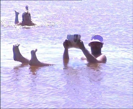 Утонуть в озере Развал возле Соль-Илецка невозможно из-за его солености