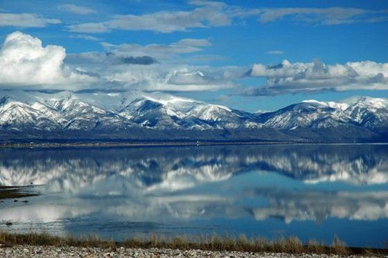 Большое Соленое озеро в США не имеет стока