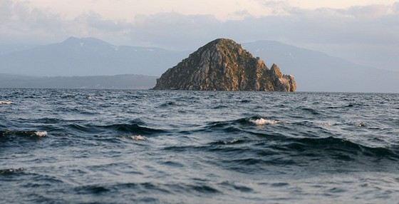 Курильское озеро одно из самых глубоких в России