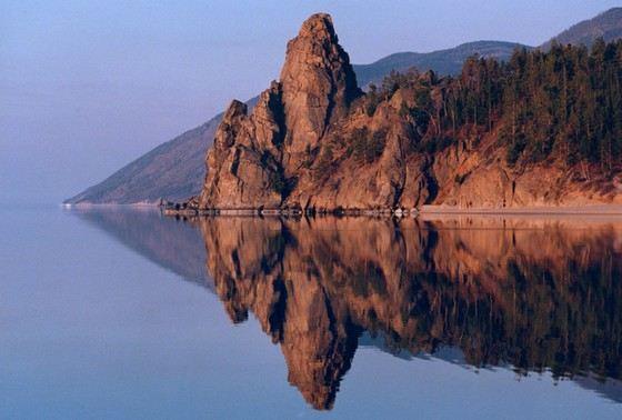 Байкал самое глубокое озеро не только в России, но и в мире