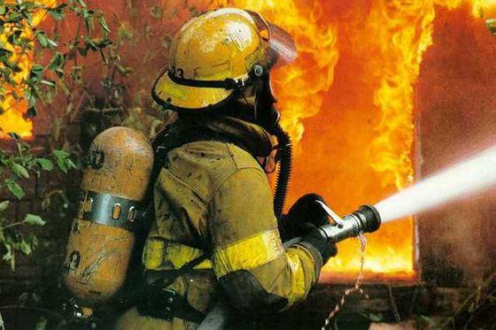 В Омске загорелся четырехэтажный дом