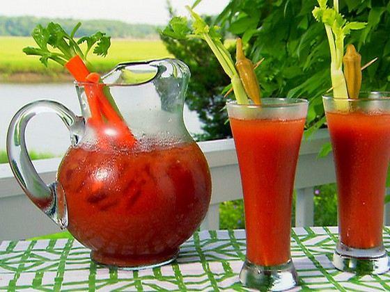Кровавая Мери самый популярный коктейль в мире