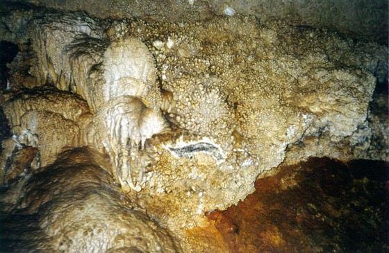 Ботовская пещера настолько большая, что до сих пор до конца не изучена
