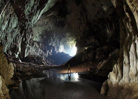 Уникальная пещера на острове Барнео