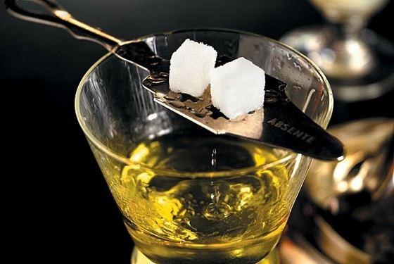 Абсент - алкогольный напиток крепче 40 градусов