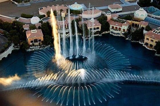 Танцующий фонтан «Белладжио» считается самым красивым в мире