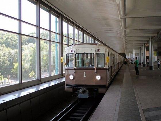 Ретропоезд «Сокольники» в московском метро