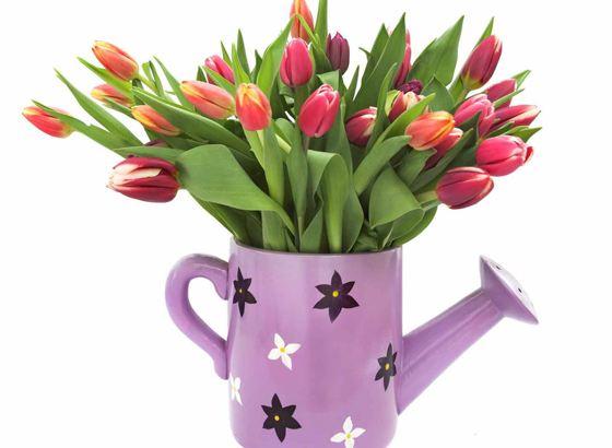 Даря цветы, не забудьте про вазу