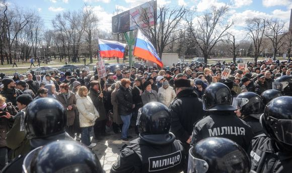 Киев обещает разобраться с ситуацией в восточных областях за двое суток