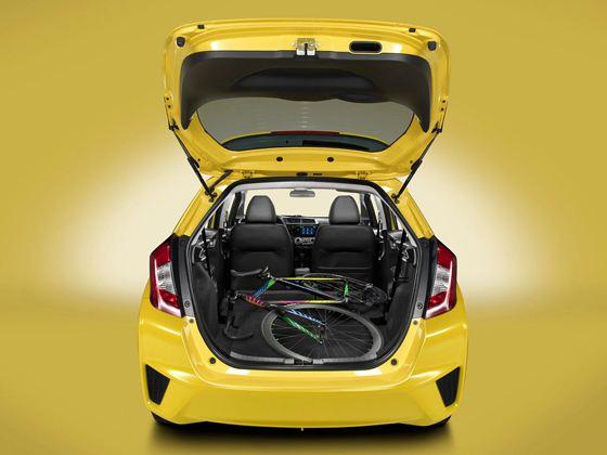 Новая Honda Fit - вместительная малолитражка