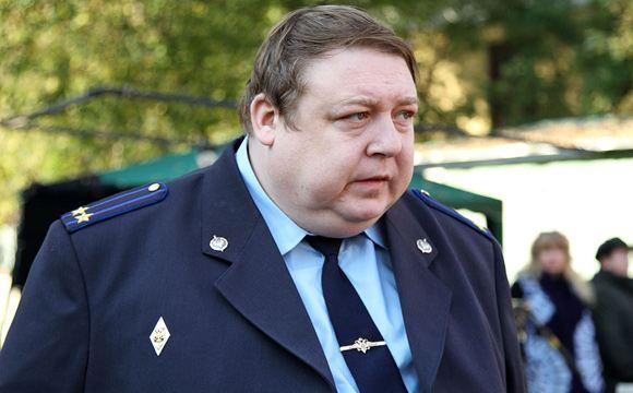 С Александра Семчева требуют 60 тысяч рублей за разбитую витрину