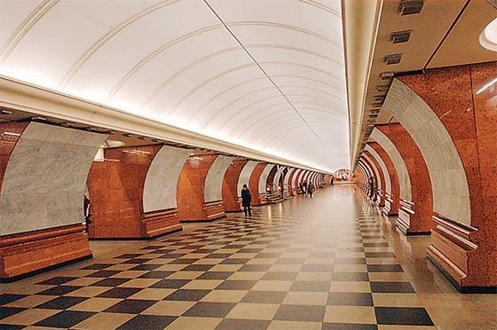 Вестибюль самой глубокой станции московского метро