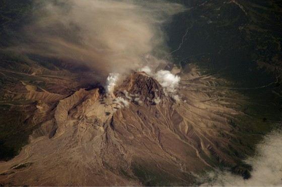 В России много вулканов как действующих, так и потухших