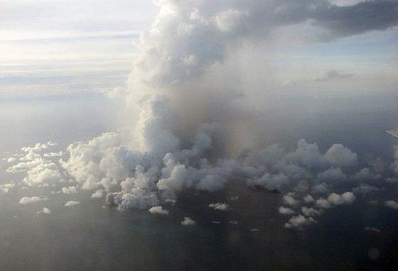 Извержение большого подводного вулкана