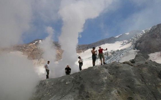 Большинство действующих вулканов на Камчатке регулярно проявляют активность
