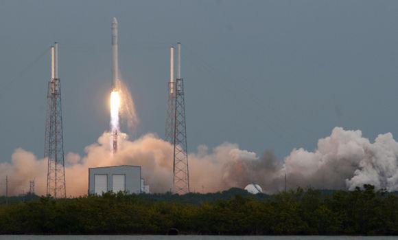Частный космический корабль успешно запущен в США