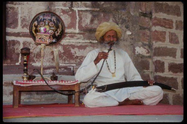 Кальян мог появиться в Индии