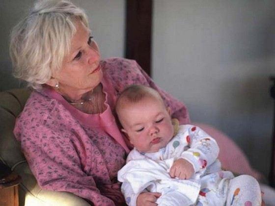 Не все бабушки охотно занимаются своими внуками