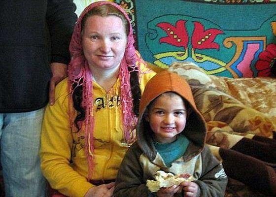 Румынская цыганка Рифка Станеску сегодня считается самой молодой бабушкой
