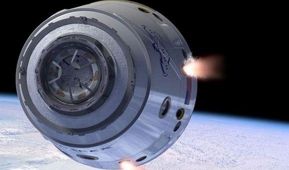 Американский частный космический корабль достиг МКС